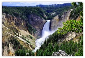Plan your trip toYellowstone National Park with America The Beautiful