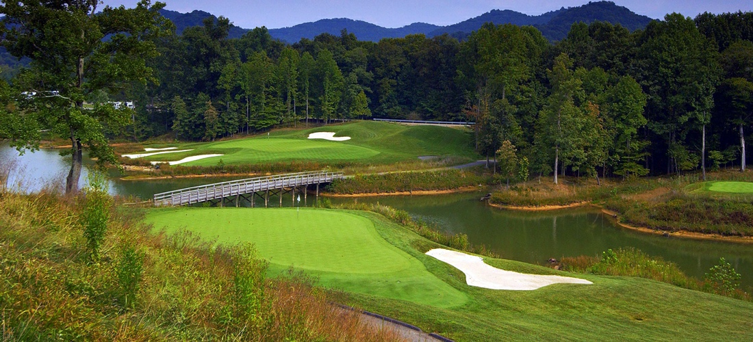 Golf -Discover West Virginia's beautiful cities, towns and beautiful landscapes.  West Virginia is for adventure!  From its lush forests and rolling hills to magnificent beaches - West Virginia is a Vacation and Adventure Destination you will enjoy.  See America - See West Virginia -a USA Travel Guide Destination!