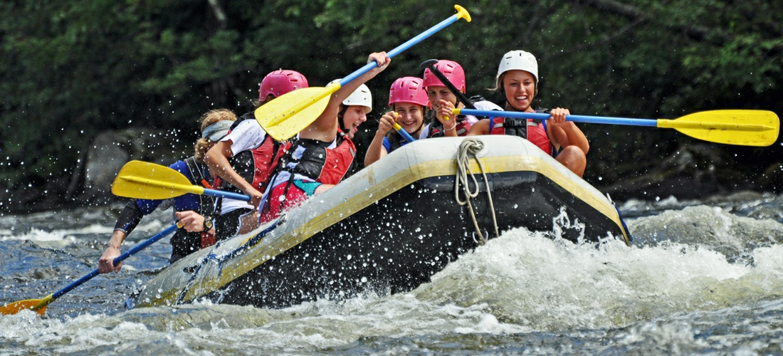 White water rafting in New Hampshire - class 3 to class 5 rapids - amazing adventures.